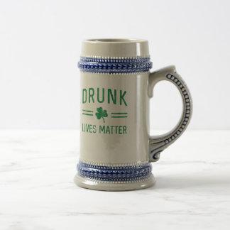 Caneca De Cerveja O bebado vive matéria