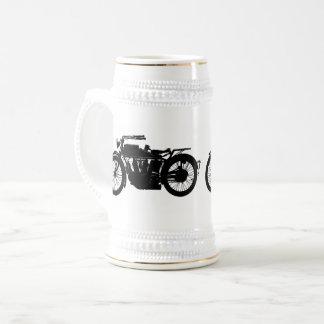 Caneca De Cerveja Silhueta da motocicleta do vintage no preto rico
