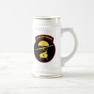 Caneca De Cerveja Toda a brigada da maneira, VIETNAM1965-1966