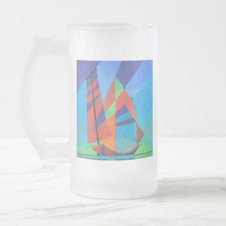 Caneca De Cerveja Vidro Jateado Barco abstrato da sucata do Cubist contra o céu