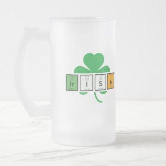 Caneca De Cerveja Vidro Jateado Elemento químico Zz37b do cloverleaf irlandês