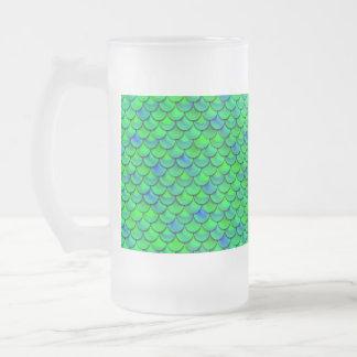 Caneca De Cerveja Vidro Jateado Escalas verdes do azul de Falln