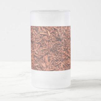 Caneca De Cerveja Vidro Jateado mulch detalhado do cedro vermelho para o