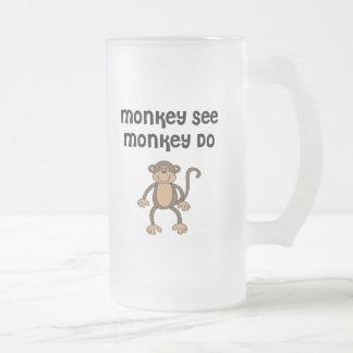 Caneca De Cerveja Vidro Jateado O macaco vê, macaco faz
