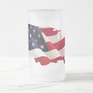 Caneca De Cerveja Vidro Jateado Os Estados Unidos que undulating a bandeira