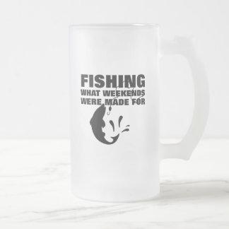 Caneca De Cerveja Vidro Jateado Pescadores que pescam o slogan engraçado temático