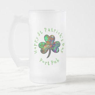 Caneca De Cerveja Vidro Jateado Trevo do texto do círculo do dia de St Patrick