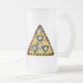 Caneca De Cerveja Vidro Jateado Triângulo de advertência da radiação nuclear do