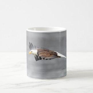 Caneca de Eagle do vôo