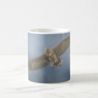 Caneca de Eagle dourado do Watercolour