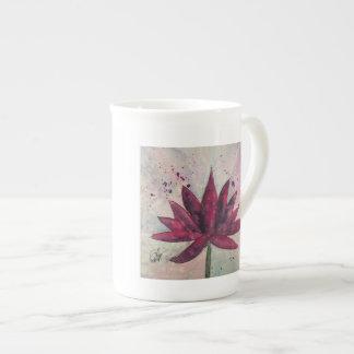 Caneca de Lotus da aguarela