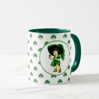 Caneca De St Patrick irlandês da menina do vintage