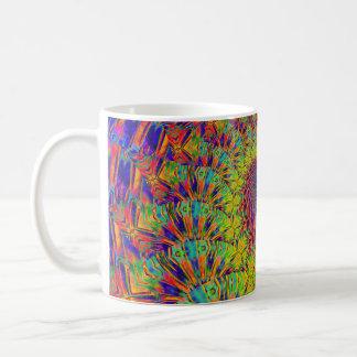 Caneca decorativa das cores vibrantes