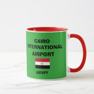 Caneca do aeroporto internacional de Cairo