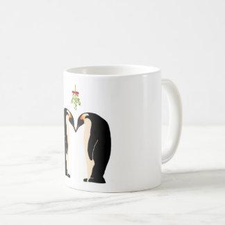 Caneca do amor do feriado do pinguim