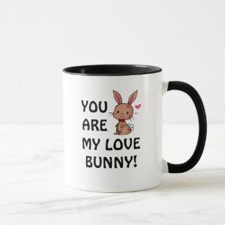 Caneca do coelho do amor (coelho de Brown)