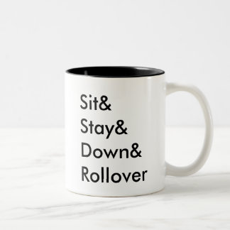 Caneca do derrubamento de Sit& Stay& Down&