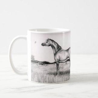 Caneca do desenho de lápis do cavalo e da