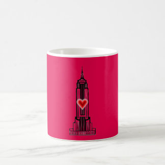 Caneca do Empire State Building do coração do rosa