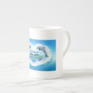 Caneca do golfinho 444ml dos azuis bebés