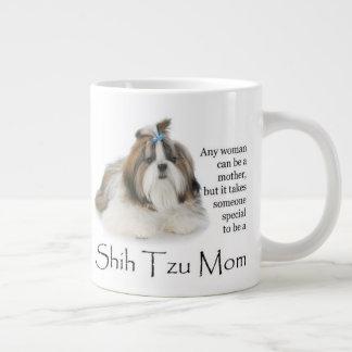 Caneca do jumbo da mamã de Shih Tzu
