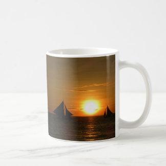 Caneca do por do sol da navigação