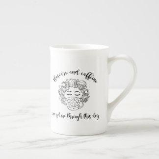 Caneca do rímel e da cafeína