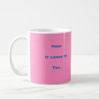 Caneca do rosa do chá do coelho de Anita todas as