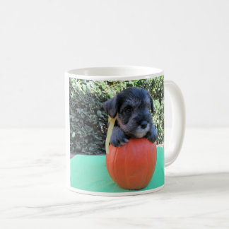 Caneca do Schnauzer do Dia das Bruxas Minitature