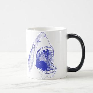 Caneca do tubarão azul