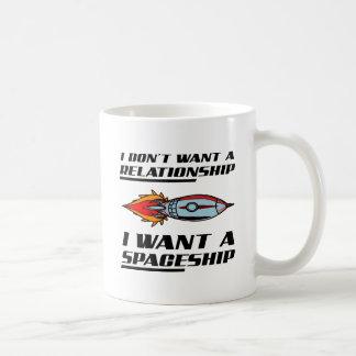 Caneca engraçada da nave espacial da relação