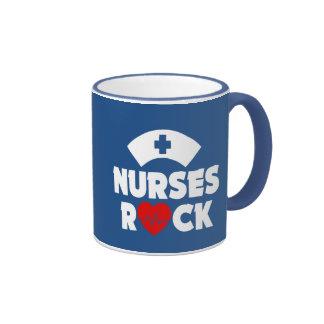 Caneca engraçada da rocha das enfermeiras