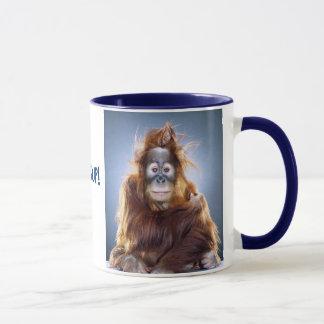 Caneca engraçada do macaco
