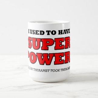 Caneca engraçada do poder super do terapeuta