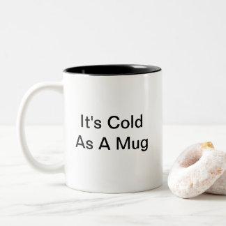Caneca engraçada do tempo de inverno