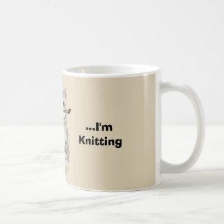 Caneca engraçada dos Knitters