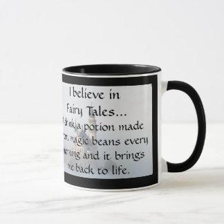 Caneca Eu acredito nos contos de fadas - café cada manhã