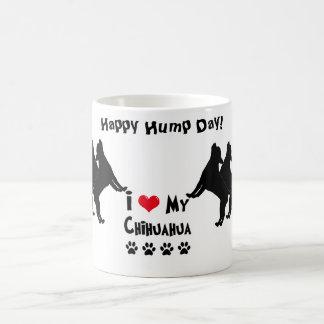 Caneca feliz do dia de corcunda da chihuahua
