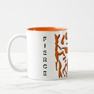 Caneca feroz do tigre na laranja