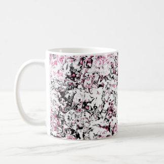 Caneca floral cor-de-rosa do desenhista do copo da