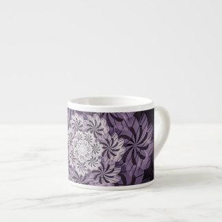 Caneca floral malva do café da arte do Fractal das