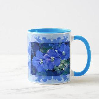 """Caneca """"Flores Azuis"""" (flores azuis)"""