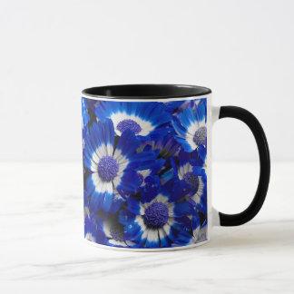 Caneca Flores bonitas do Cineraria dos azuis marinhos