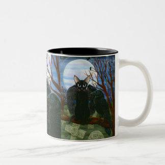 Caneca gótico da arte da fantasia do corvo do gato