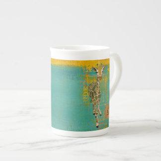 Caneca graciosa do monograma do girafa caneca de porcelana