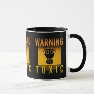 Caneca Grunge retro de advertência tóxico da idade