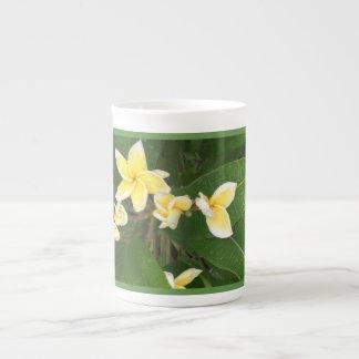 Caneca havaiana da flor