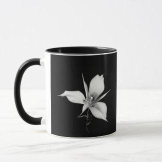 Caneca Lírio de Mariposa do Sagebrush