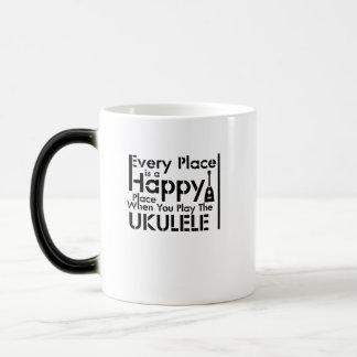 Caneca Mágica Cada lugar é um melómano feliz de Uke do Ukulele