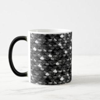 Caneca Mágica Escalas preto e branco de Falln